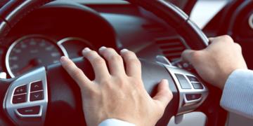 Paura di guidare, attacchi di panico al volante: la storia di Valeria.