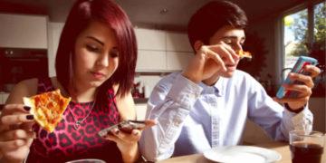"""Tecnologie digitali, stili di consumo e """"cattive abitudini"""""""